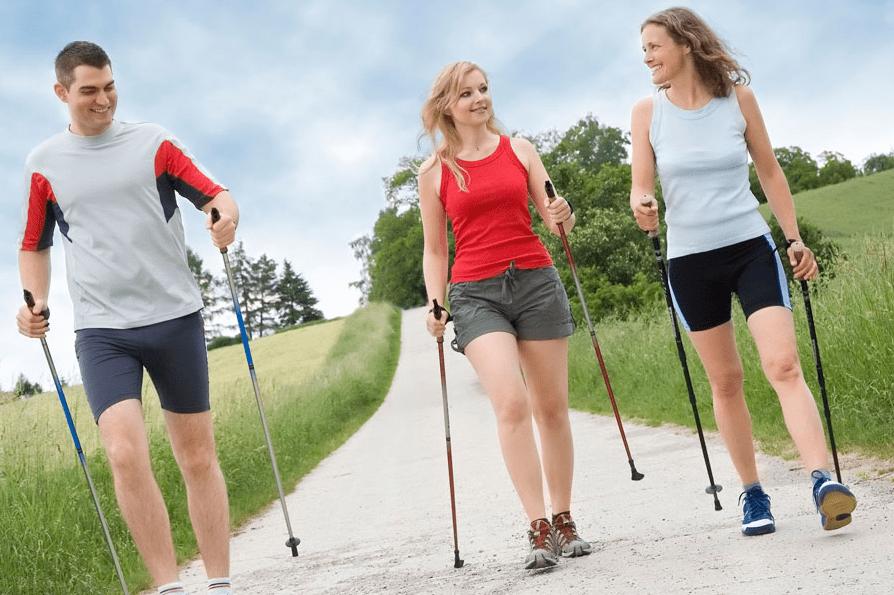 Польза и вред от скандинавской ходьбы